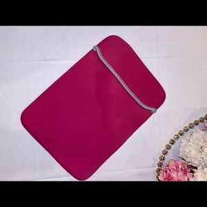 Accessories - Hot pink lap top case